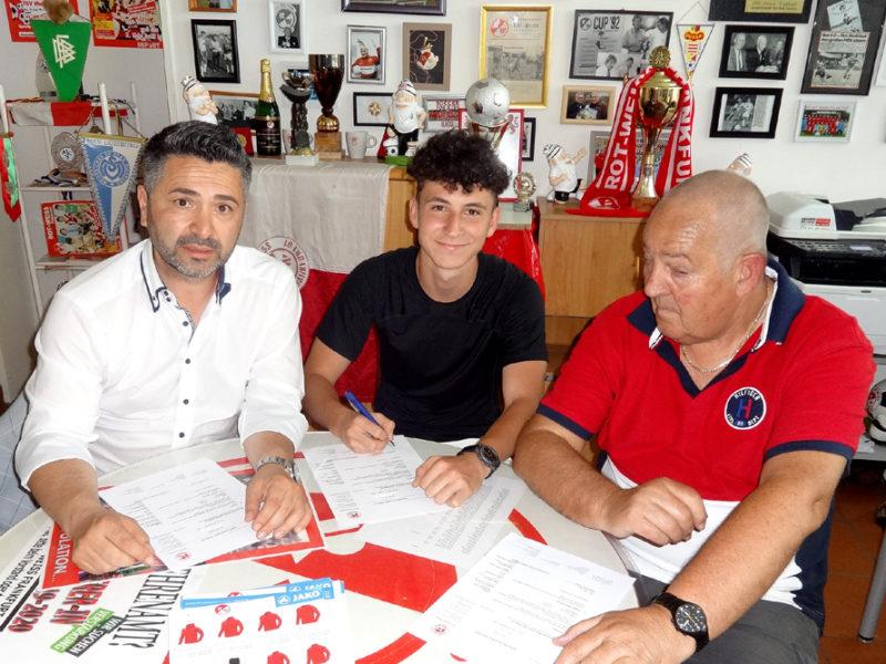 Youness spielt seit einem Jahr für Rot-Weiss Frankfurt