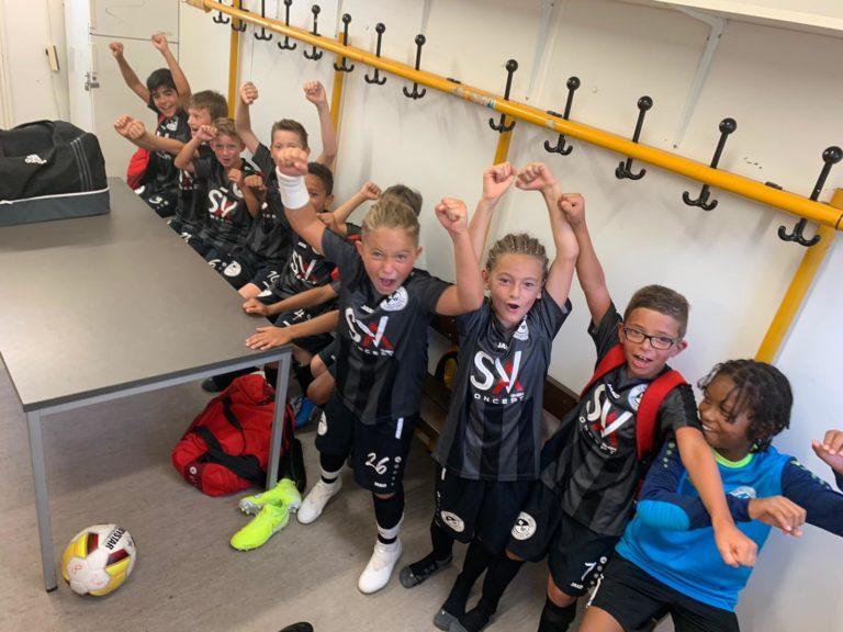 U10: Rot-Weiss Frankfurt startet mit Kantersieg
