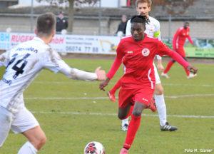 11Teamsportsverbandsliga: Rot-Weiss Frankfurt – TS Ober-Roden: Spannendes 0:0