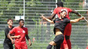 Sieg gegen TuRa Niederhöchstadt und Niederlage gegen VfB Unterliederbach